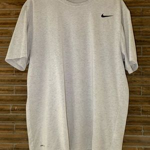 Size XL Nike Shirt dry fit!